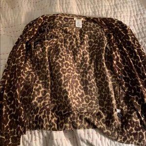 Very cute leopard sweater!!
